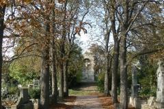 10.-Pajzs-emlékmű-temető