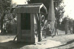 1956-Rácalmás-Király-kút-Szentháromság-tér